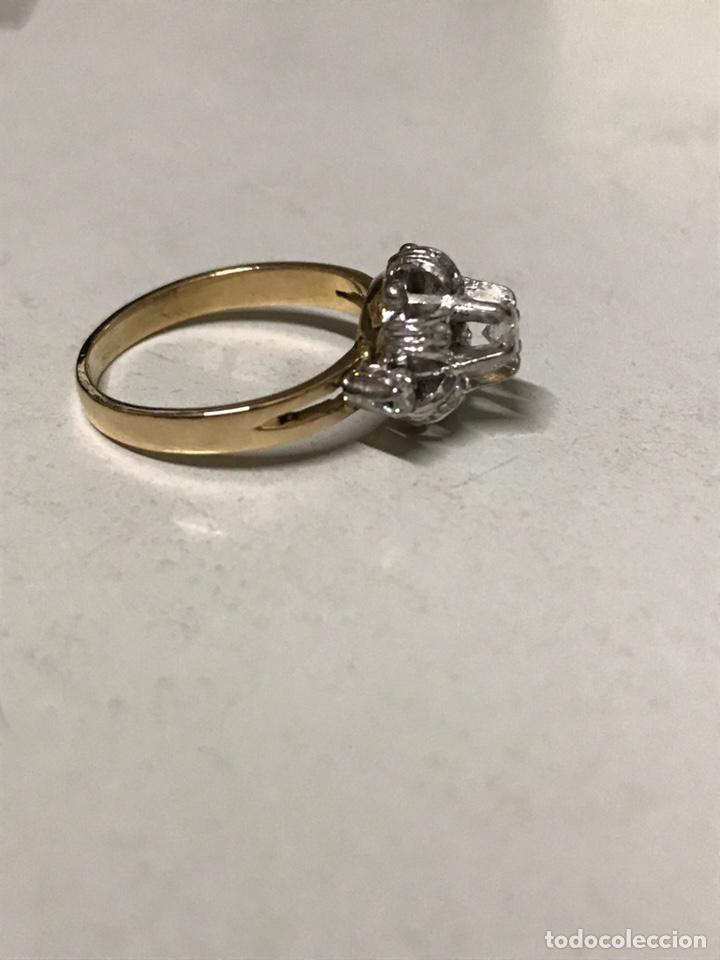 Joyeria: Rosetón de oro de 18 kts y platino. 3 brillantes y 6 diamantes - Foto 7 - 191101360
