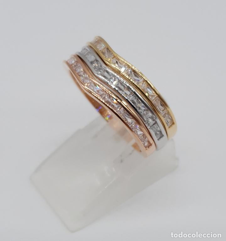 Joyeria: Elegante juego de tres anillos tipo alianza chapados en tres tipos de oro, circonitas talla baguette - Foto 3 - 246561340