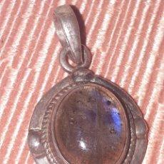 Joyeria: COLGANTE DE PLATA DE LEY CON PIEDRA OPAL. Lote 191656086