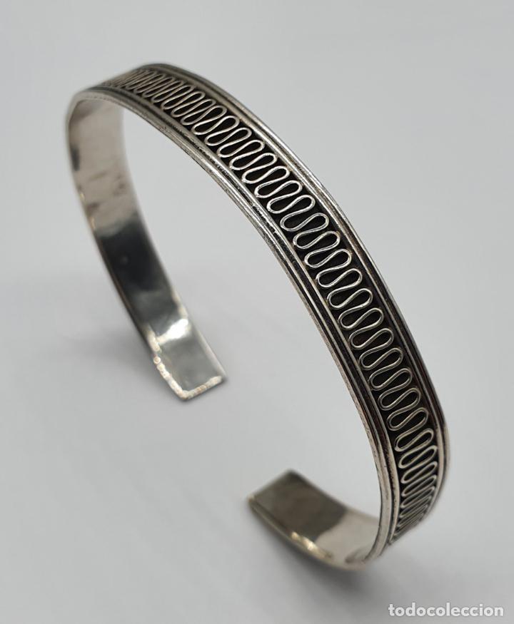 Joyeria: Brazalete vintage en plata de ley contrastada con bella cenefa ondulada . - Foto 3 - 191739263