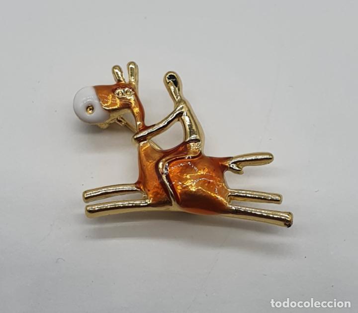 Joyeria: Original broche de jockey sobre caballo con acabados en oro y esmaltes . - Foto 6 - 203064182