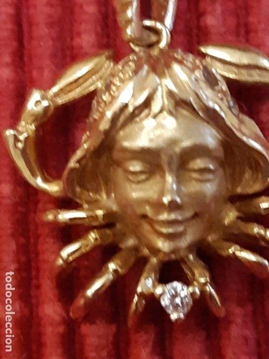 HOROSCOPO DE CÁNCER EN ORO DE 18 QUILATES (Joyería - Colgantes Antiguos)