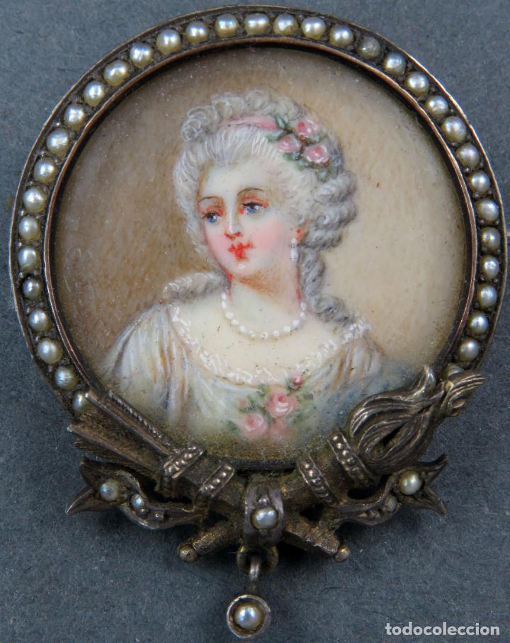 Joyeria: Broche miniatura retrato dama pintada plata dorada filo de cabujones siglo XIX - Foto 2 - 194399708