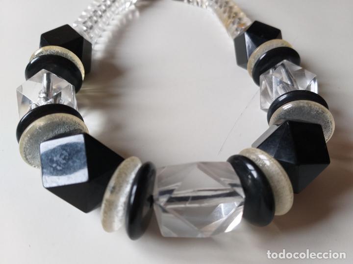 Joyeria: Antiguo collar de bolas. Negro y trasparentes. Cierre metálico - Foto 3 - 194492661