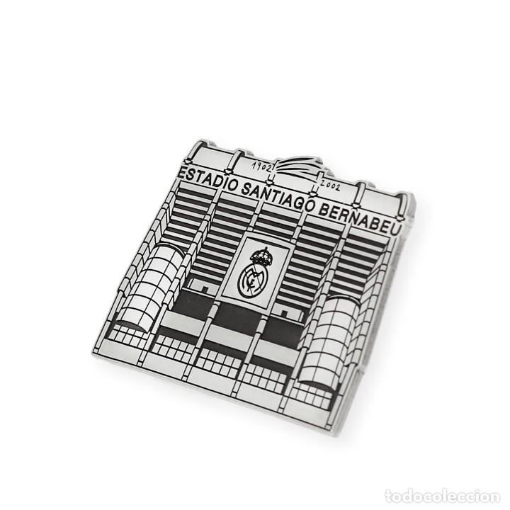 Joyeria: Real Madrid Pin de Plata Primera Ley 925 con Diseño del Estadio Santiago Bernabeu - Foto 2 - 194575297