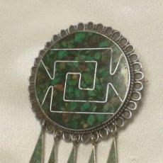 Joyeria: ANTIGUO COLGANTE Y BROCHE AZTECA PLATA DE LEY. Lote 194595871