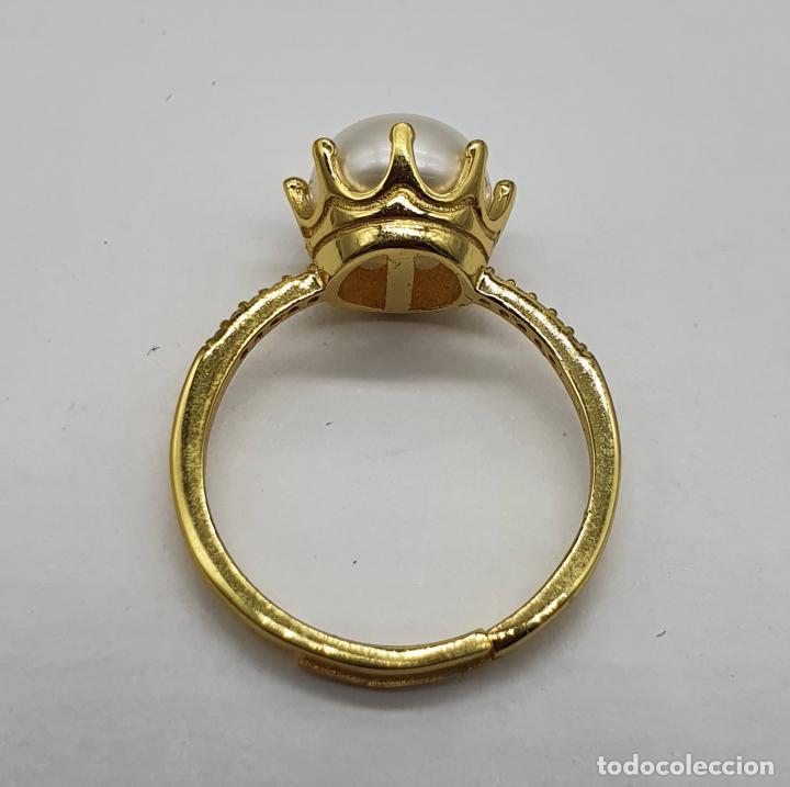 Joyeria: Bella sortija tipo pedida en plata de ley, oro de 18k, perla con engarce tipo corona y circonitas . - Foto 5 - 194731432