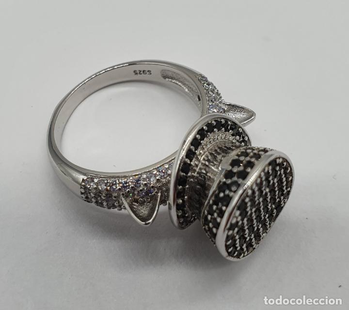 Joyeria: Original anillo de diseño sombrero de copa y orejas de gato en plata de ley, circonitas y espinelas - Foto 7 - 194732231