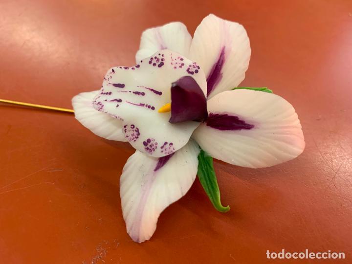 Joyeria: Excepcional broche de orquidea en porcelana fina. la orquidea mide unos 7cms de diametro. Impecable - Foto 3 - 194922371