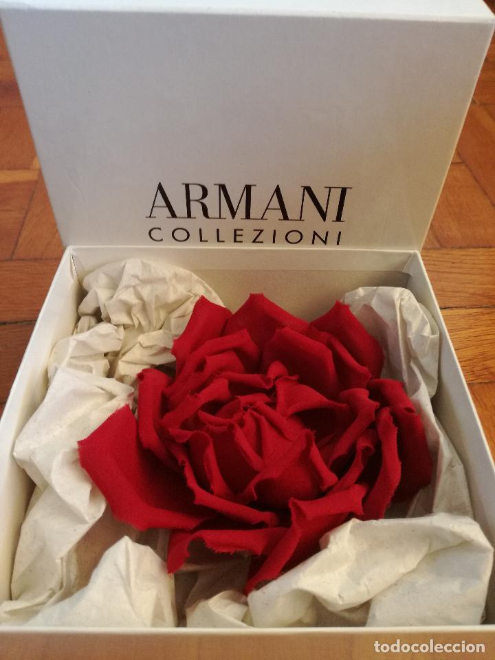 Joyeria: PRECIOSO BROCHE EN FORMA DE FLOR DE LA MARCA: ARMANI COLLEZIONI - MADE IN ITALY - NUEVO EN CAJA - Foto 2 - 195219631