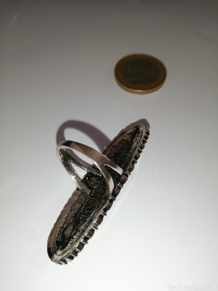 Joyeria: BONITO ANILLO GRANDE EN PLATA TIBETANA CON CABUJON ROJO DE PLÁSTICO - Foto 3 - 195370971