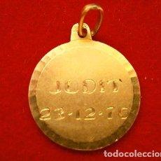 Joyeria: MEDALLA COLGANTE DE ORO 18 KLTS VALORADO (AÑOS 70) 2,21 GRAMOS ORO DE LEY -GRABADA POR LOS DOS LADOS. Lote 195417113