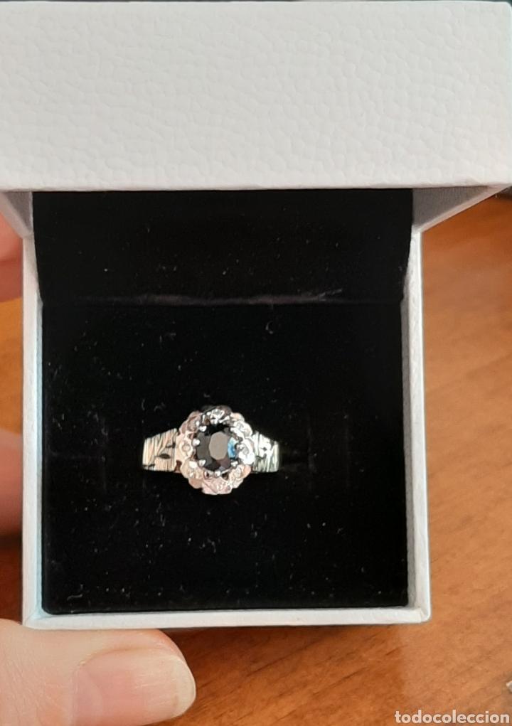 Joyeria: Anillo gema principal zafiro negro 6x7mm.gemas secundaria 8 diamantes . marcado 375 oro de 9kts. - Foto 2 - 195474691