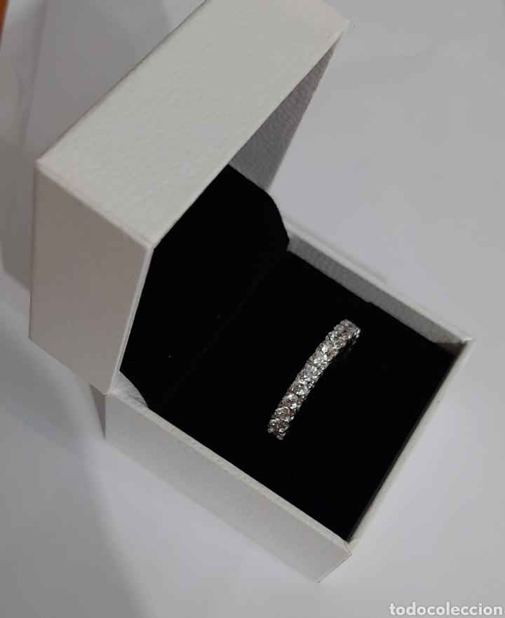 Joyeria: Anillo marcado en 925 rodeado de 26 circonitas 4x4 mm . talla 18.3 milímetros . 4.12 gramos . - Foto 2 - 195508456