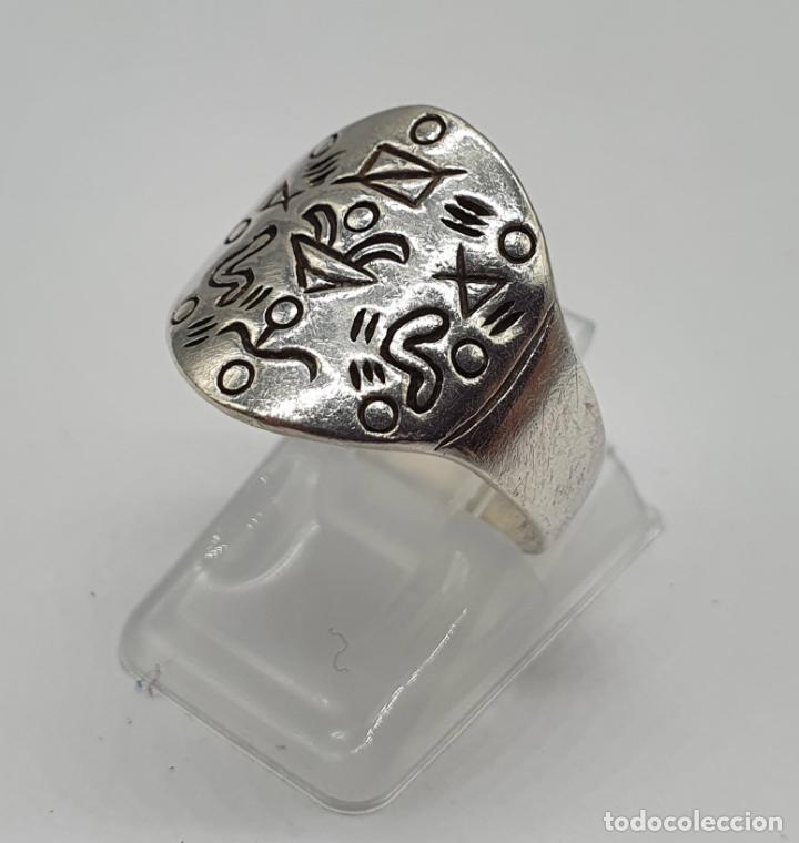 Joyeria: Original anillo vintage en plata de ley contrastada y motivos grabados . - Foto 2 - 195583520