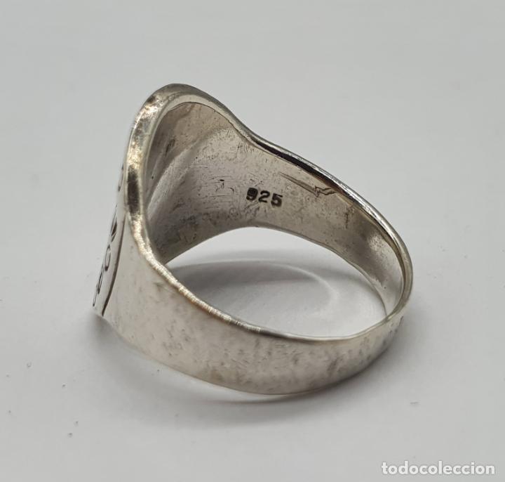 Joyeria: Original anillo vintage en plata de ley contrastada y motivos grabados . - Foto 5 - 195583520