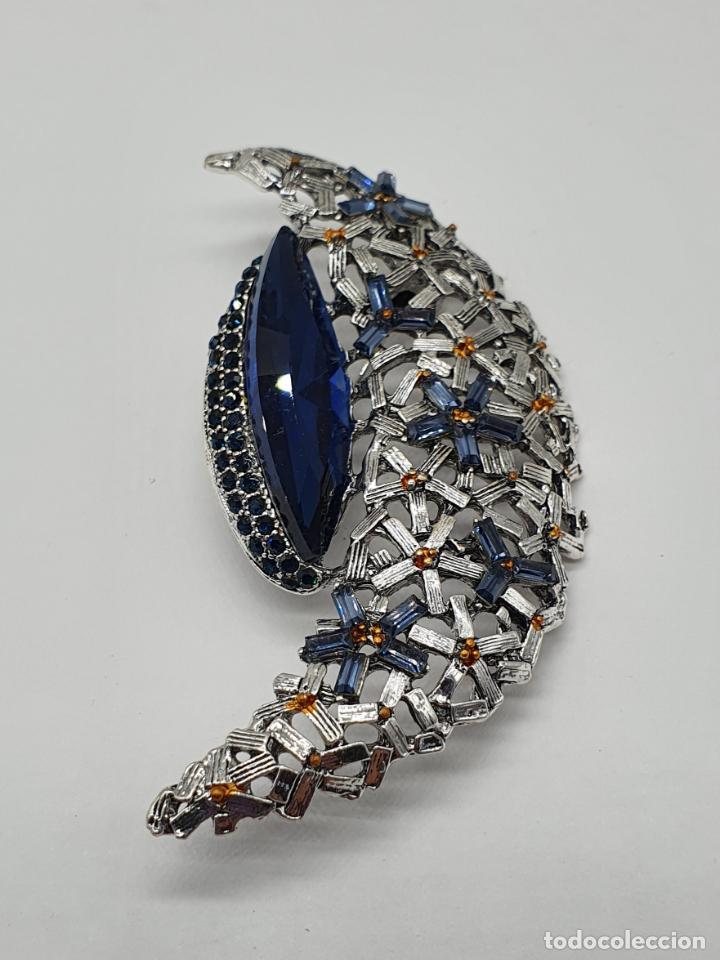 Joyeria: Broche colgante de luna con baño de plata envejecida, y cristal austriaco azul zafiro . - Foto 3 - 198032621