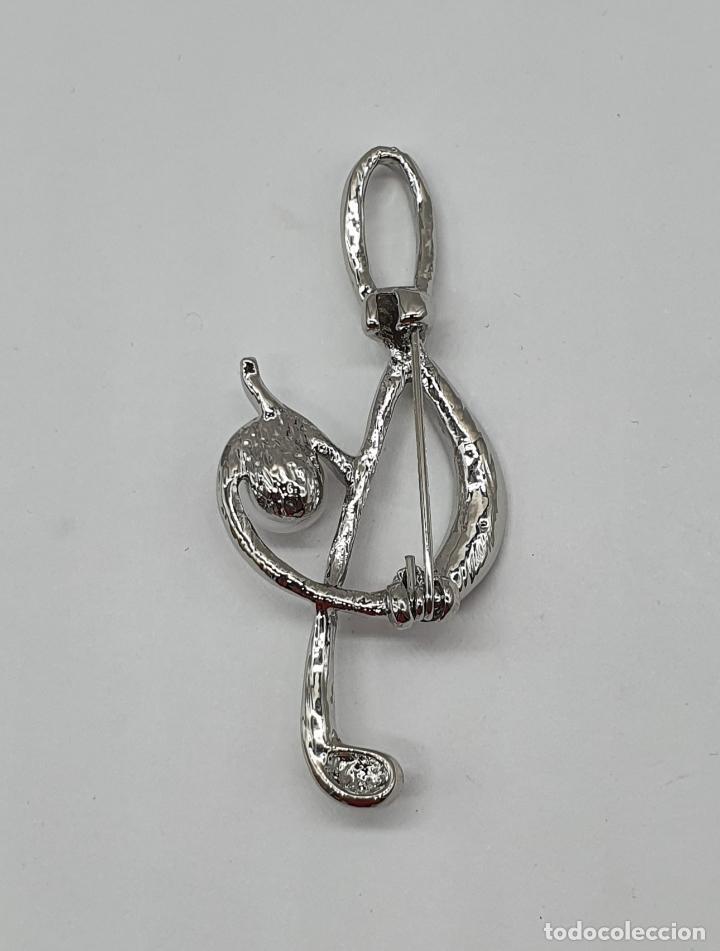 Joyeria: Elegante broche de clave de sol musical con baño de plata, circonitas talla brillante y perla . - Foto 5 - 198611121