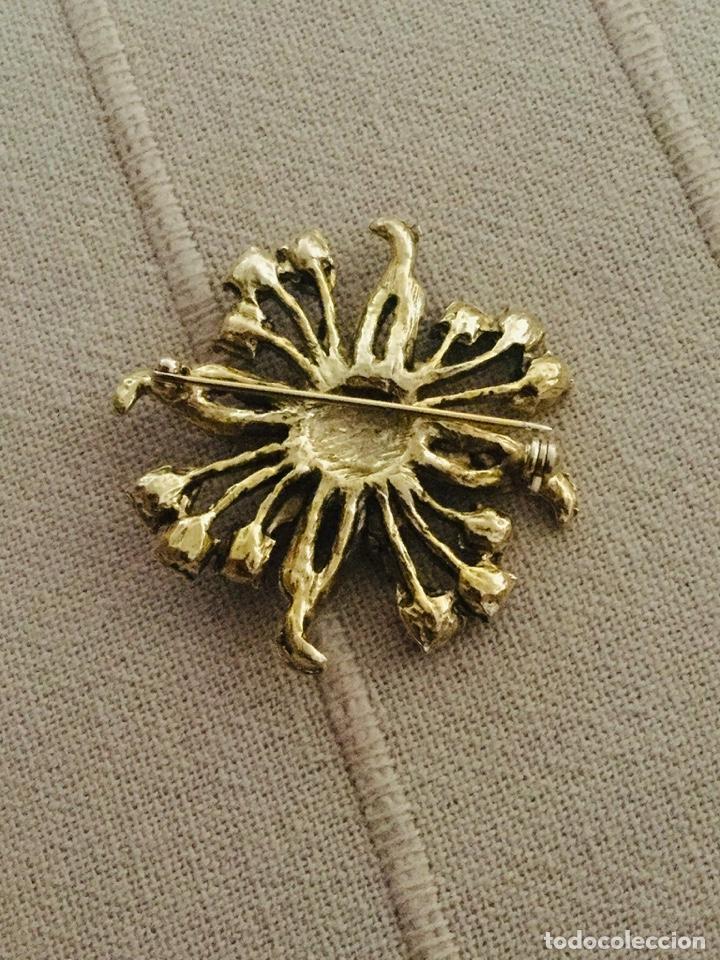 Joyeria: Broche chapado en oro con piedras en bonitas tonalidades, sin estrenar - Foto 3 - 198830238