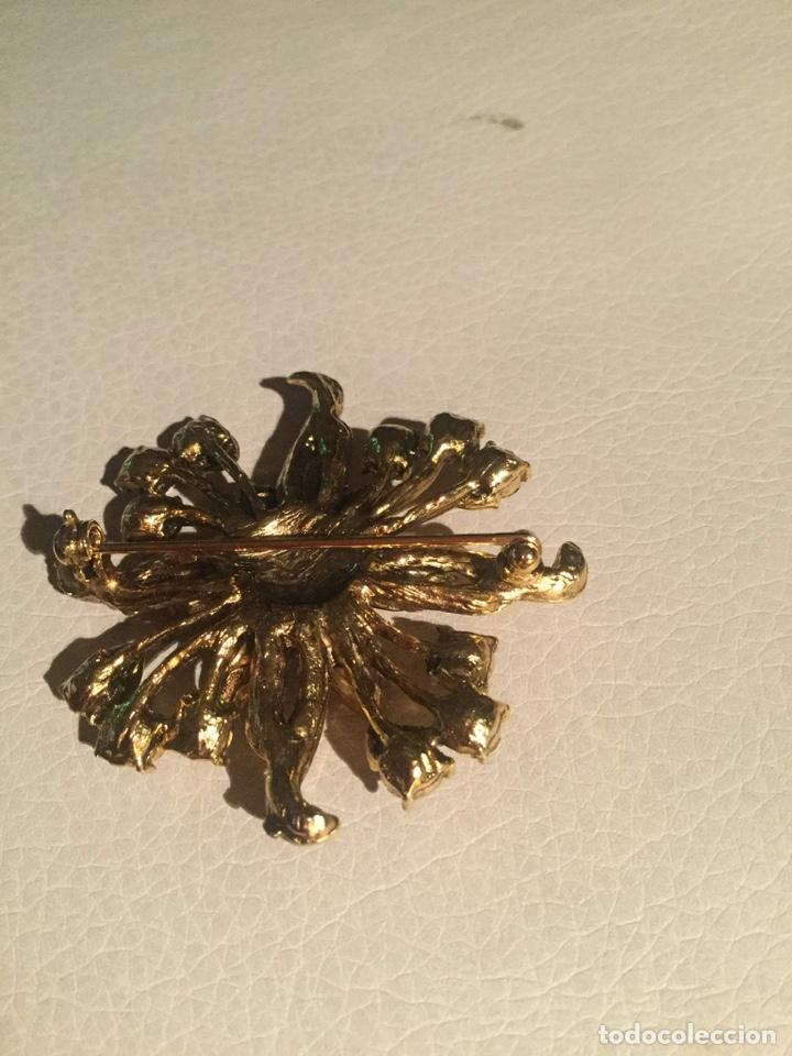Joyeria: Broche chapado en oro con piedras en bonitas tonalidades, sin estrenar - Foto 4 - 198830238