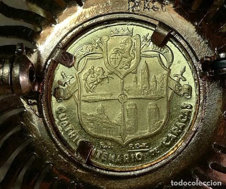 Joyeria: BROCHE CLAVILLO ORO AMARILLO CON MEDALLA (MONEDA) CONMEMORATIVA CUATRICENTENARIO CARACAS 18K 7,5 GR. - Foto 13 - 200173410