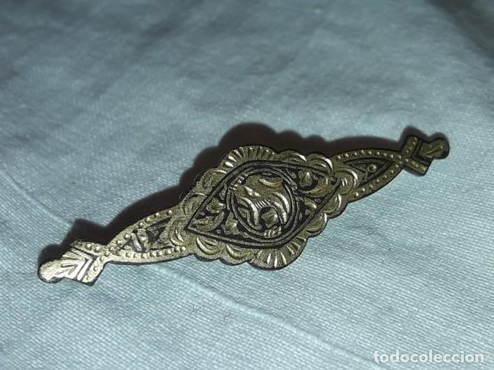 Joyeria: Bello antiguo broche Oro damasquinado de Toledo - Foto 5 - 201312935