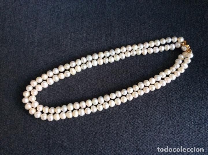 Joyeria: Collar de perlas cultivadas de dos vueltas que se puede hacer largo cerrando el broche en el centro - Foto 3 - 194901945