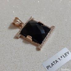 Joyeria: COLGANTE DE PLATA ORO Y ONIX. Lote 203879591