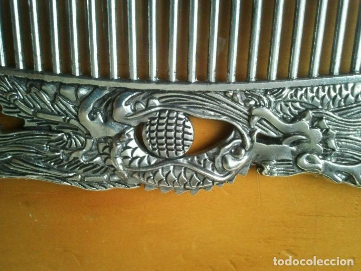 Joyeria: Peine cepillo de plata tibetana. Representan al Ave Fenix y el Dragón. Talisman amuleto protector. - Foto 6 - 204306057