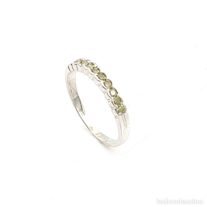Joyeria: Anillo de Oro Blanco con Diamantes Fantasy Yellow de 0,30 ct - Foto 2 - 211272561