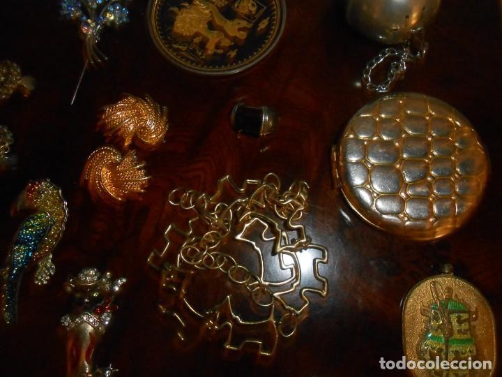 Joyeria: GRAN LOTE DE COLGANTES, BROCHES, PENDIENTES, ETCC.. - Foto 3 - 211622742