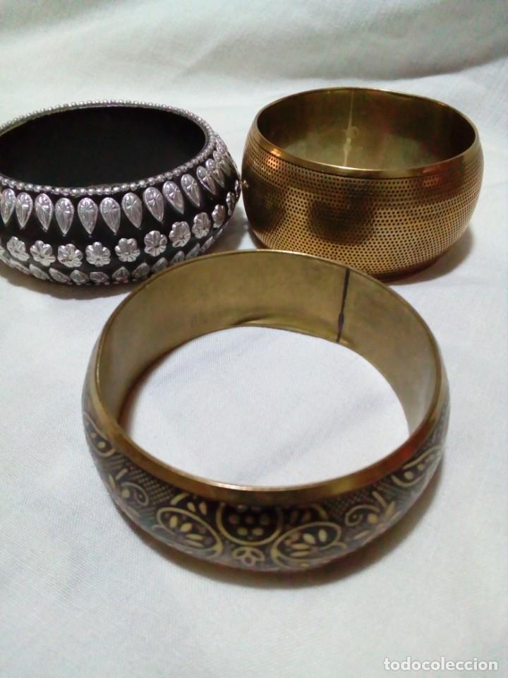 Joyeria: tres pulseras con bonitos dibujos y adarnos - Foto 2 - 212907250
