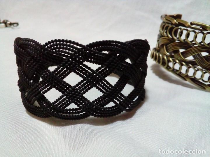 Joyeria: tres brazaletes metalicos - Foto 4 - 212907496