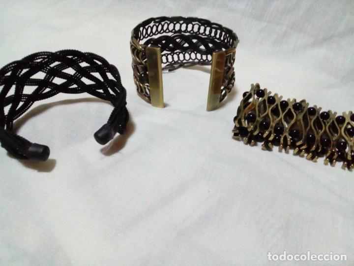 Joyeria: tres brazaletes metalicos - Foto 5 - 212907496