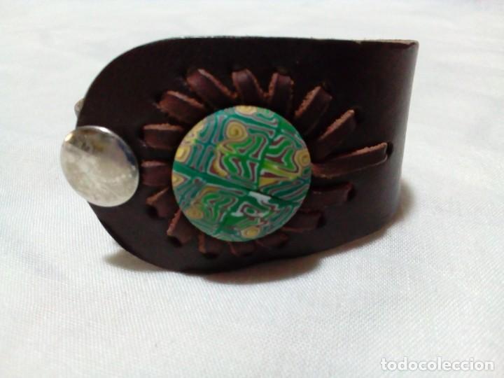 BONITO BRAZALETE DE CUERO (Joyería - Brazaletes Antiguos)