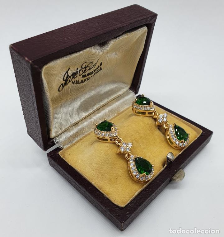 Joyeria: Maravillosos pendientes vintage de estilo imperial chapados en oro de 18k y esmeraldas creadas . - Foto 3 - 244471335