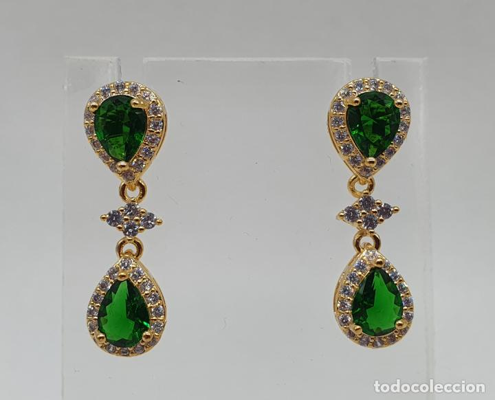 Joyeria: Maravillosos pendientes vintage de estilo imperial chapados en oro de 18k y esmeraldas creadas . - Foto 4 - 244471335
