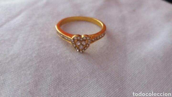 Joyeria: precioso aniño de oro de 18k laminado con piedras muy bonitas talla 10 - Foto 3 - 213274885