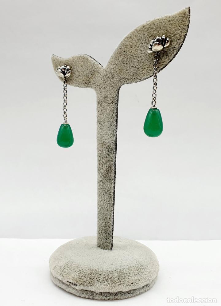 Joyeria: Pendientes estilo vintage orientales en plata de ley con forma de flor de loto y lágrima en jade . - Foto 4 - 213436811
