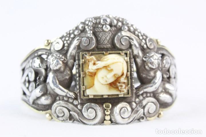 Joyeria: Brazalete s XIX. Plata y oro de Ley. Central de dama en marfil tallado, ángeles a medio relieve - Foto 3 - 213609815