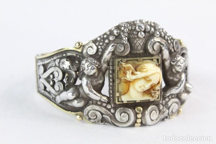 Joyeria: Brazalete s XIX. Plata y oro de Ley. Central de dama en marfil tallado, ángeles a medio relieve - Foto 6 - 213609815