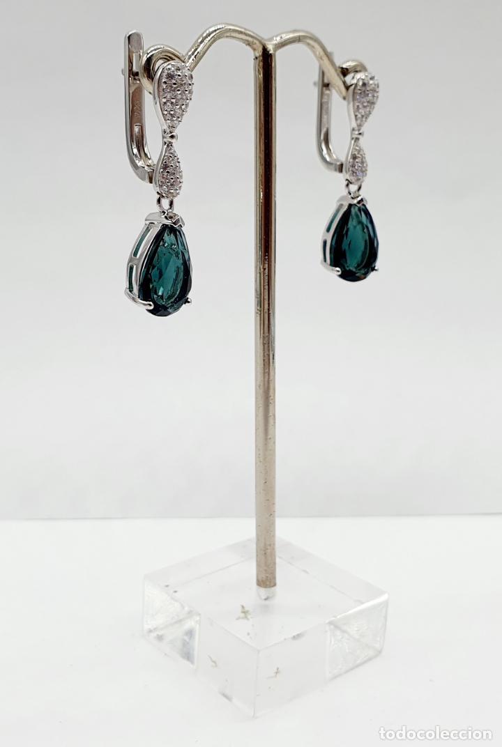 Joyeria: Elegantes pendientes en plata de ley, circonitas talla brillante y turmalinas talla pera engarzadas - Foto 4 - 213617646