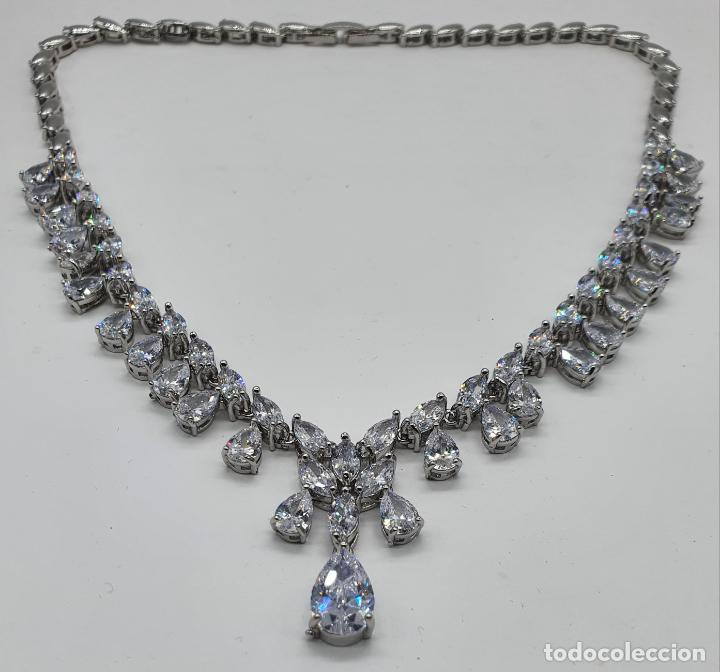 Joyeria: Elegante gargantilla de novia chapada en oro blanco 18k, circonitas talla marqués y talla pera . - Foto 5 - 214576996