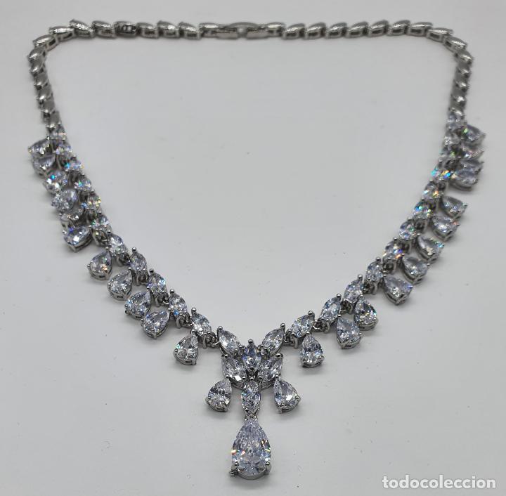 Joyeria: Elegante gargantilla de novia chapada en oro blanco 18k, circonitas talla marqués y talla pera . - Foto 9 - 214576996