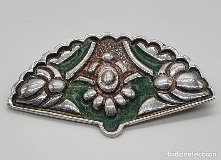 Joyeria: Bello broche antiguo en plata de ley repujada y esmaltes con forma de abanico de época . - Foto 3 - 214578787