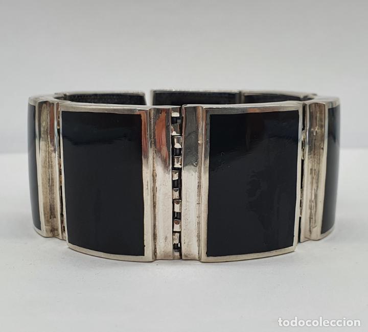 Joyeria: Gran brazalete de eslabones articulados en plata de ley contrastada y aplicaciones en símil de onix - Foto 2 - 215391455