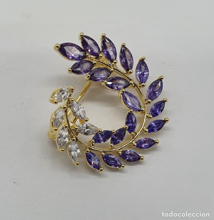 Joyeria: Bello broche vintage de estilo victoriano chapado en oro, circonitas y amatistas talla marqués . - Foto 2 - 215398543