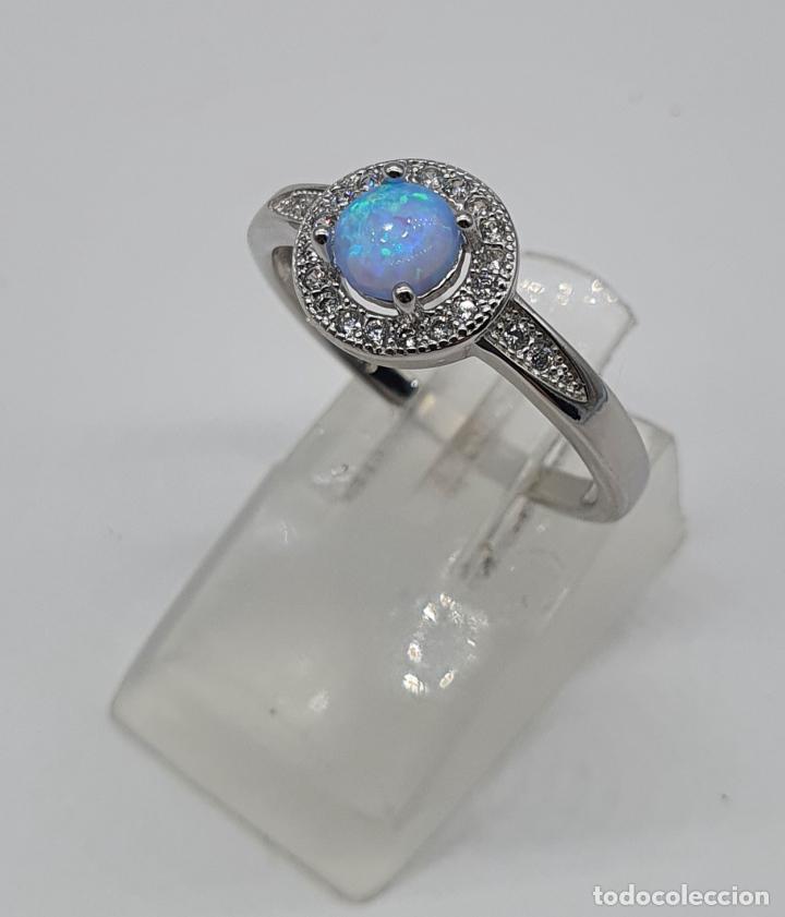 Joyeria: Preciosa sortija tipo solitario en plata de ley, circonitas talla brillante y ópalo circular . - Foto 2 - 217633167