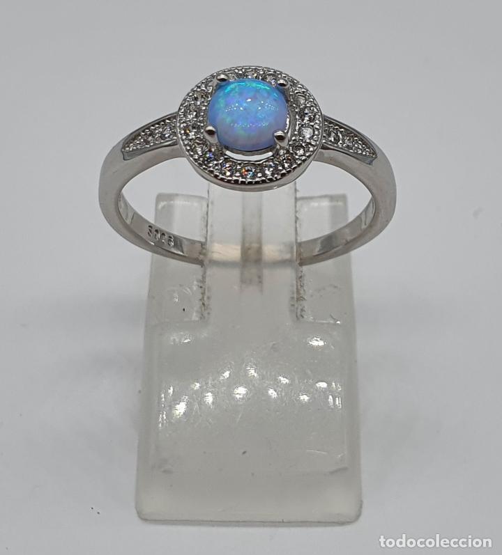 Joyeria: Preciosa sortija tipo solitario en plata de ley, circonitas talla brillante y ópalo circular . - Foto 3 - 217633167