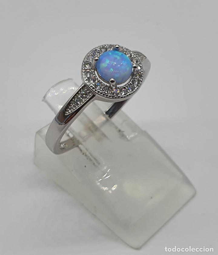 Joyeria: Preciosa sortija tipo solitario en plata de ley, circonitas talla brillante y ópalo circular . - Foto 4 - 217633167